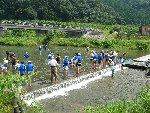 宇甘川での水辺教室