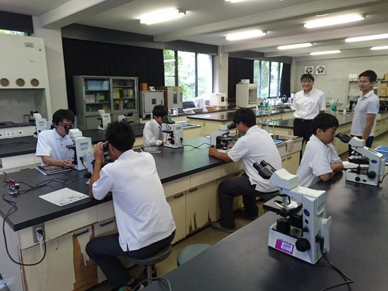 岡山商科大学附属高等学校の生徒に模擬授業